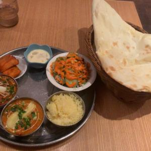 西鎌倉駅徒歩7分のインドカレー屋シリス!モチモチのナンとホットな辛さが美味しいチキン&マトンカレーでお腹いっぱい