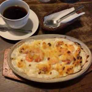 鎌倉小町通りの老舗喫茶モアで食べる手作りグラタンランチ!洋食多彩なメニューと古都の風情を堪能できるレトロカフェ